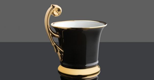 Tasse en porcelaine de Limoges - Modèle Royale en noir et or brillant - Lorenza-difilippo.fr