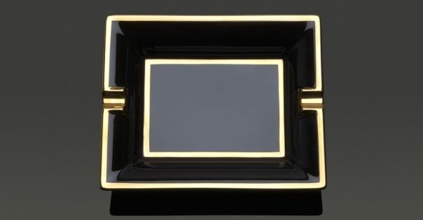 Cendrier en porcelaine de Limoges noir et or - Modèle Byzance - Lorenza-difilippo.fr