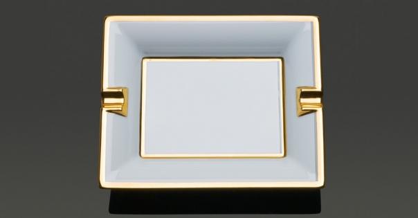Cendrier en porcelaine de Limoges en blanc et or brillant - Modèle Byzance - Lorenza-difilippo.fr