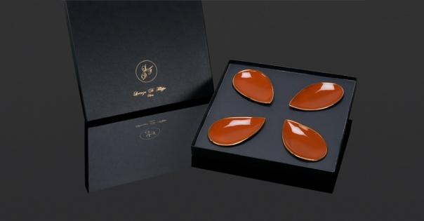 Coffret assiettes porcelaine - En caramel et or - Modèle Pétale Alizée - Photo non contractuelle - Lorenza-difilippo.fr