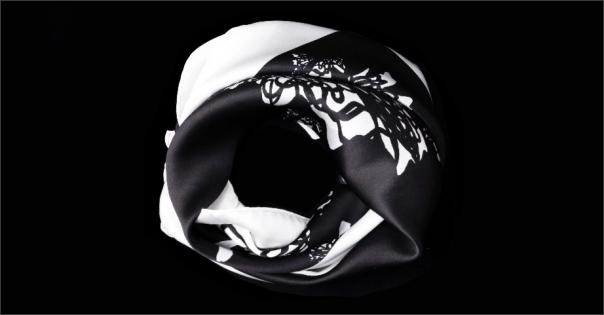 Carré de soie Haute Couture - Modèle Krystal noir - Lorenza-difilippo.fr