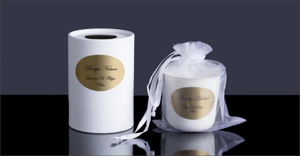 Bougie nature enveloppée dans un pochon et présentée dans un coffret blanc - Lorenza-difilippo.fr